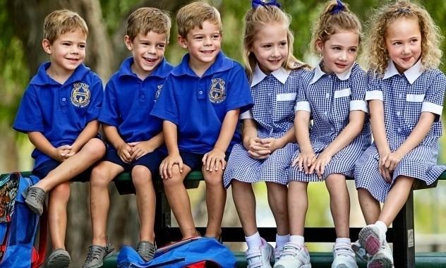 psychologia ubioru, psychologia mody, psycholog mody, psycholog ubioru, psychologia stylu, czy mundurki szkolne są dobre